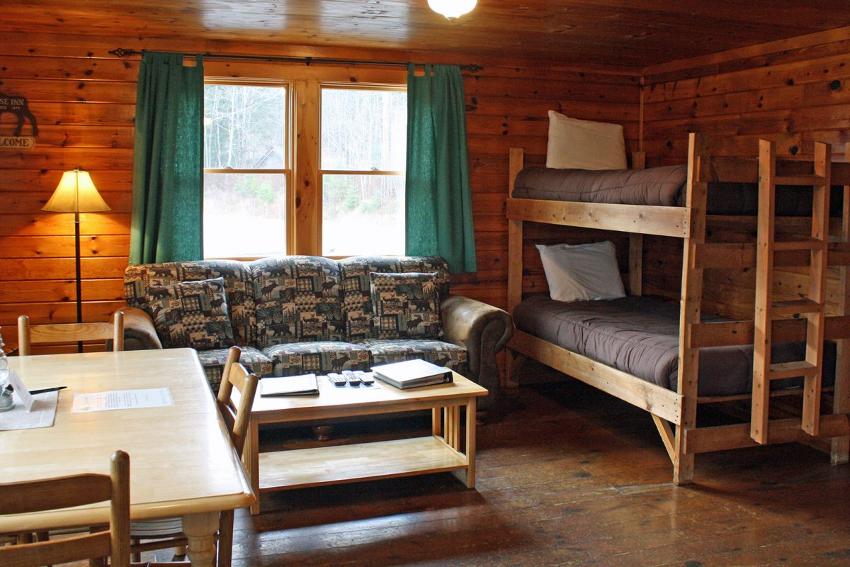 Bunk house lopstick for Pictures of cabin bedrooms