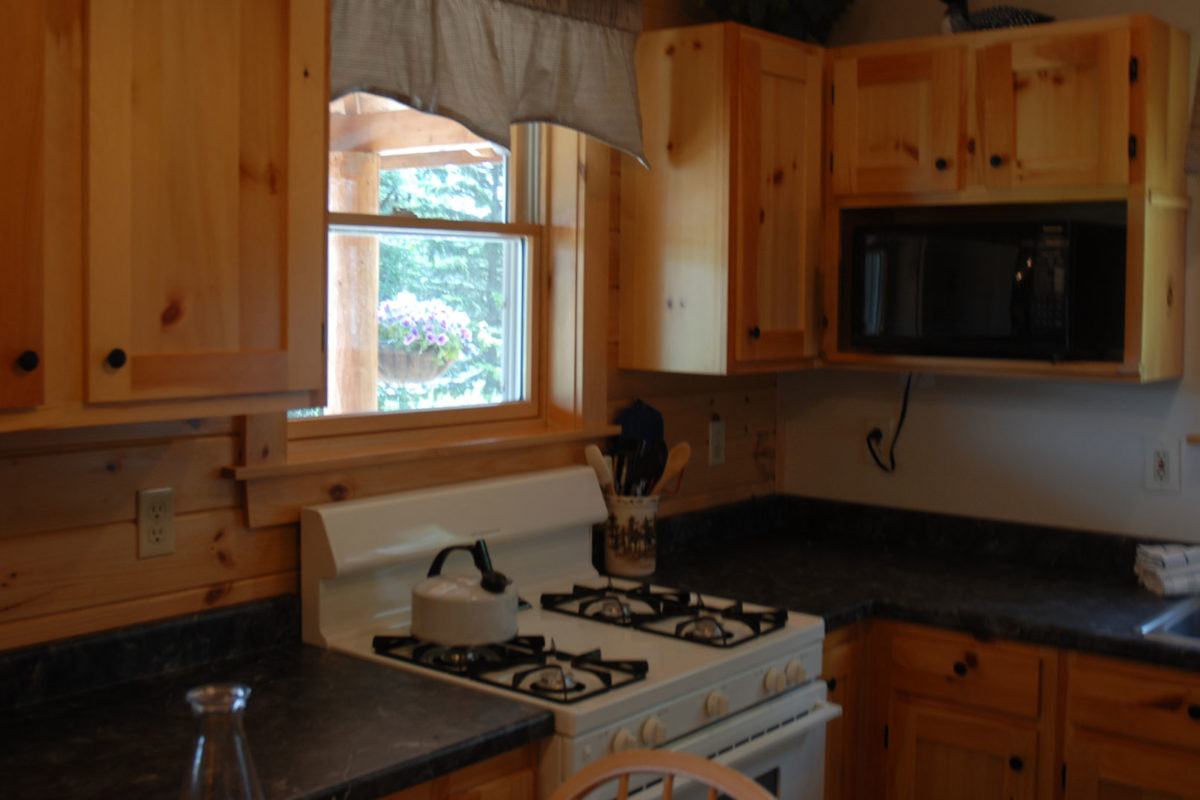 cabin united cabins rent lincoln getaway romantic nh rooms hampshire corner new states for in